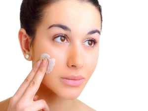 How Retinol Can Improve Your Skin Tone