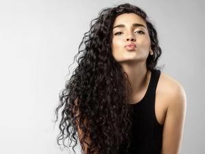 Natural Tricks To Give Those Gorgeous Curls That Extra Bounce