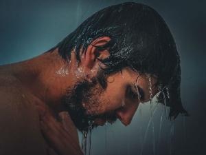 How Night Showers Help You Sleep Well