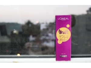 Product Of The Day L Oreal Mat Magique 12h Bright Mat Foundation Review