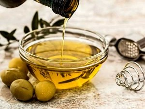 Does A Daily Spoonful Of Olive Oil Ease Period Pain
