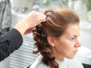 Steps How To Put A French Braid