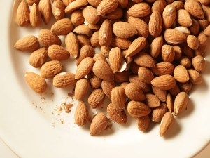 Are Almonds Heart Healthy?