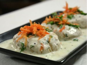 Steamed Dahi Vada Treat For Brothers On Raksha Bandhan