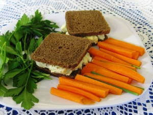 Five Minute Carrot Egg Salad Sandwich Recipe