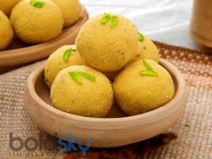 Ganesh Chaturthi Special Besan Laddoo Recipe