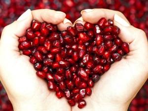Ten Health Benefits Of Juicy Pomegranates