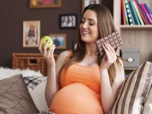 Eating Tips For Pregnant Women During Festive Season 045911