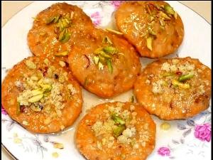 Bhai Dooj Special Mava Kachori Recipe