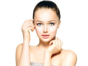 How Moisturising Helps The Skin