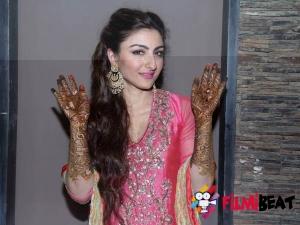 Kareena Kapoor Manish Malhotra Saree Soha Ali Khan Wedding