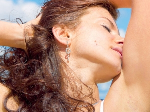 Twelve Natural Ways To Smell Great