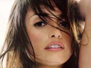 Penelope Cruz Eva Longoria 050311 Aid