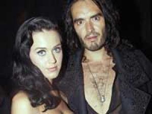 Katy Perry Russell Brand Honeymoon 100311 Aid