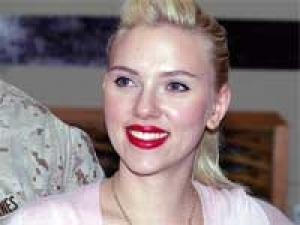 Scarlett Johannson Pregnant 130411 Aid