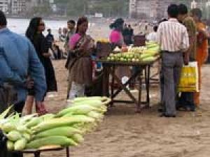 Mumbai Street Food Joints 290411 Aid