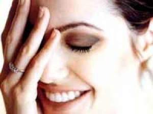 Angelina Jolie Cheating Brad Women 060511 Aid