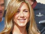 Jennifer Aniston Courteney Cox Friends 020611 Aid