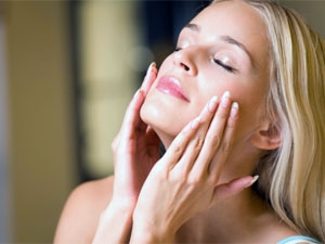 Uses Petroleum Jelly Beauty Product
