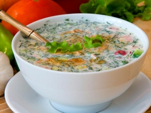 Onion Garlic Green Chilli Raita Recipe