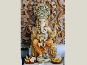 Install Worship Lord Ganesha Home