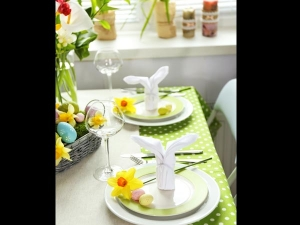 Eight Types Of Table Linen For Your Table