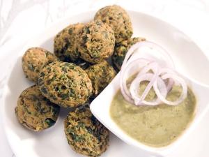 Spinach Pakora Raksha Bandhan Special
