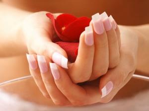 Sixteen Home Remedies For Peeling Skin Around Fingertips