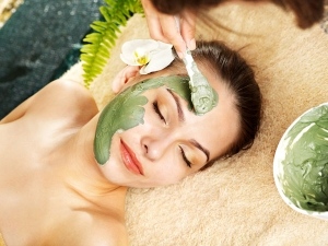 Face Mask Using Green Tea And Honey