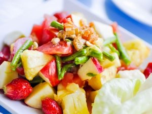 Tangy Shrimp Fruit Salad