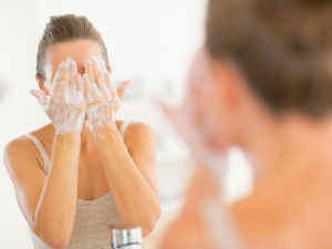 Face Wash Mistakes That Damage Your Skin