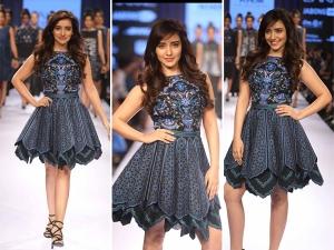 LFW'15: Neha Sharma Walks For Khem