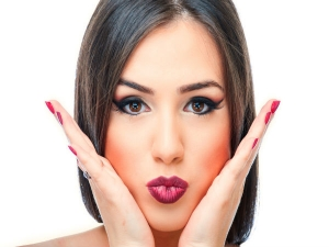 Hot Ways To Keep Your Lips Kissable