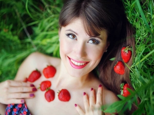 Have You Tried Strawberries On Your Skin