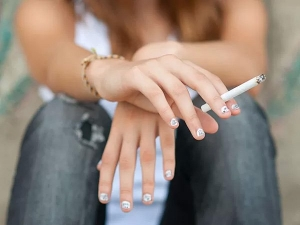 Cool Fun Factor Draws Teenagers To E Cigarettes Study