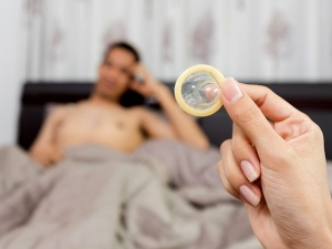 Surprising Symptoms Of Condom Allergy You Must Not Ignore