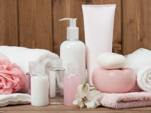 Moisturizer Mistakes That Make Your Skin Age Faster