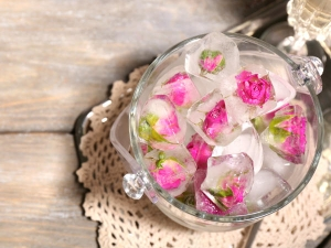 Different Ways To Include Rose Water In Your Daily Skin Care Routine