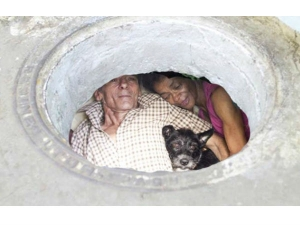 Couple Lives In A Sewer Since Twenty Two Years