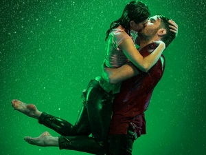 Why Kissing In Rain Is Romantic