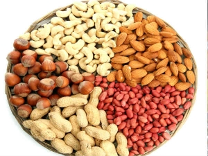 Here Is How Eating Nuts May Cut Risk Of Colon Cancer