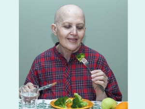 Home Remedies To Manage Side Effects Of Chemotherapy