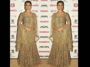 Alia Bhatt Wearing Sabyasachi For Lokmata Awards