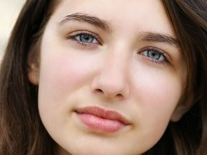 Makeup Ideas Every Girl With Pale Skin Should Follow