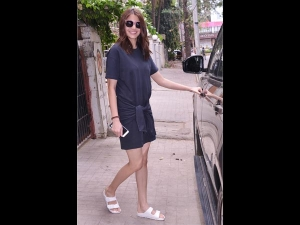 Bored Of Your Summer Dresses Anushka Has An Answer