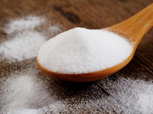 Different Ways To Include Baking Soda In Your Hair Care Routine