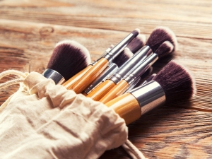 Complete Guide To Makeup Brushes