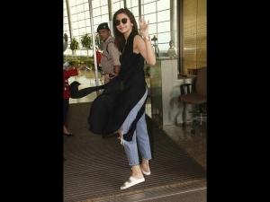 Anushka Vs Shilpa Who Rocked In Ripped Jeans