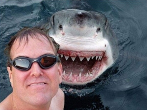 Extreme Selfies That Will Make You Skip Your Heartbeat