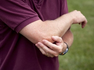 Childhood Passive Smoking May Up Arthritis Risk Later
